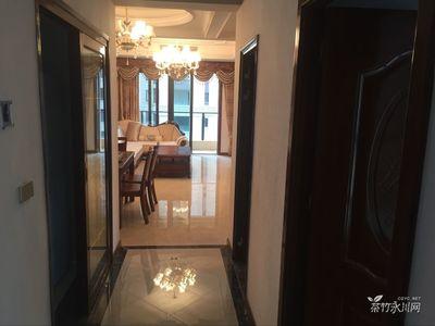 万达广场豪装大三房 拎包入住仅售54.8万