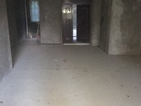出售东科兰乔圣菲4室2厅2卫164.37平米68万住宅