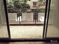 新区繁华地段人民广场旁长城大厦清水两室业主便宜急售