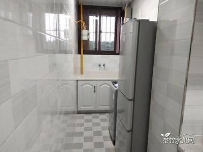 一转盘大润发楼上 海亮国际精装三室两厅一卫 家具家电齐全