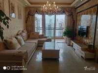 支持公积金,兴龙湖畔,金科中央公园城,品质小区,精装住家三房,家具家电齐全。