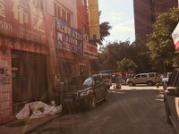 出售商贸城邻公路180平米面议商铺
